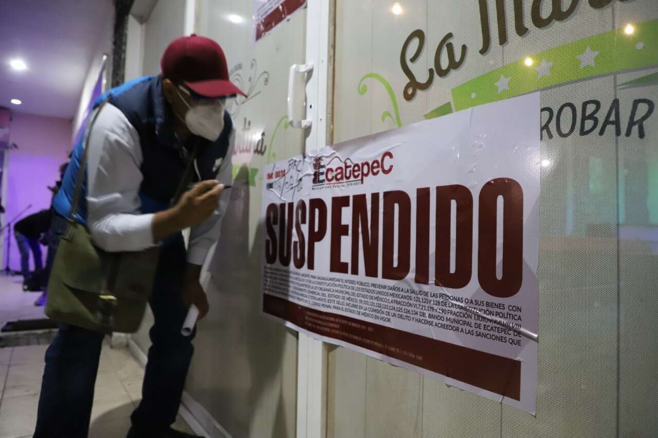 🛑 Ecatepec Mantiene Semáforo rojo, suspenden bares, antros y fiestas.